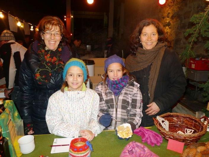 Beim Batschunser Adventmarkt wurden liebevoll gefertigte Weihnachtsgeschenke angeboten.