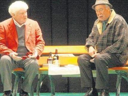 Friedhelm Ptok (links) und Klaus Mikoleit streiten über die tote Flo.