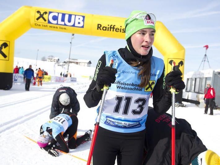 Die Schwarzenbergerin Jasmin Berchtold gewinnt ein Austria Cuprennen in St. Ulrich.