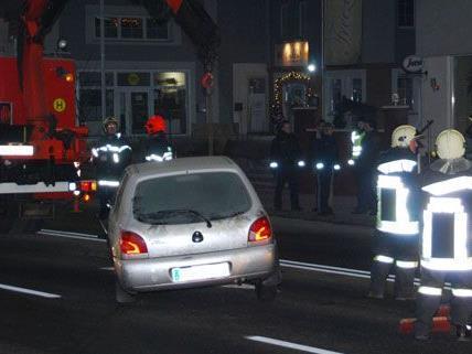 Unfall auf der B17 in NÖ in der Nacht auf Freitag.