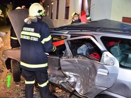 Insgesamt 14 Personen wurden bei drei Unfällen am Wochenende verletzt.