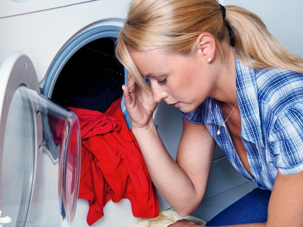 Beim Öffnen der Waschmittelpackung wartet oft eine Überraschung.