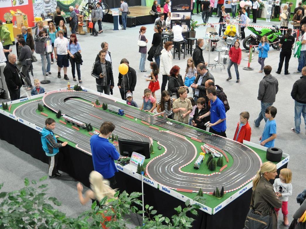 2011 lockte auf den Harder Welten u.a. eine Carrerabahn bei den Lehrlingswelten...