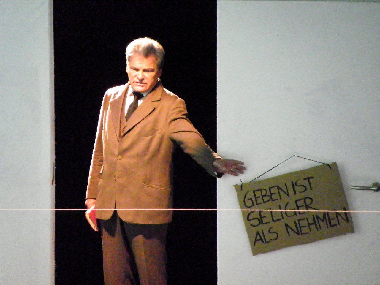 "Szene aus  der  ""3 Groschen Oper"""
