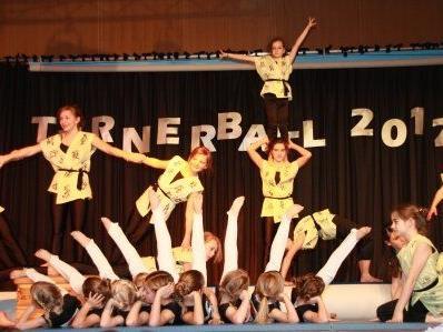 Das Turn- und Showprogramm beim Turnerball wird Sie begeistern!