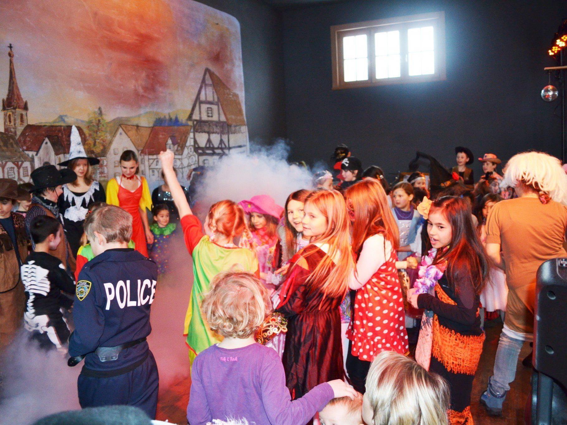 Göfner Kinderfaschingsparty: 1.2.2013 ab 15:00 Uhr im Vereinshaus Göfis!
