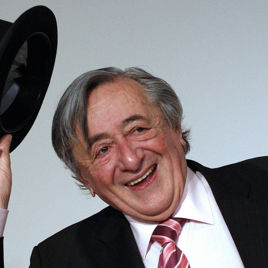 Richard Lugner stellt seinen zweiten Opernball-Stargast 2013 vor.