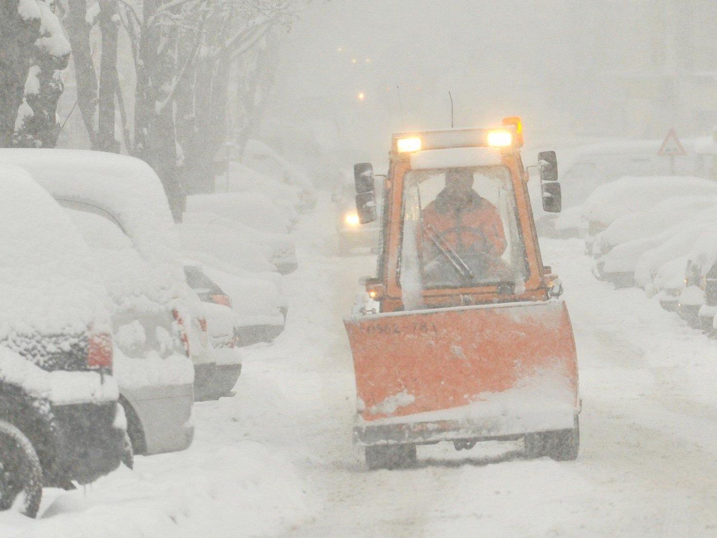 Die MA 48 ist am Montag wieder im Schnee-Einsatz.
