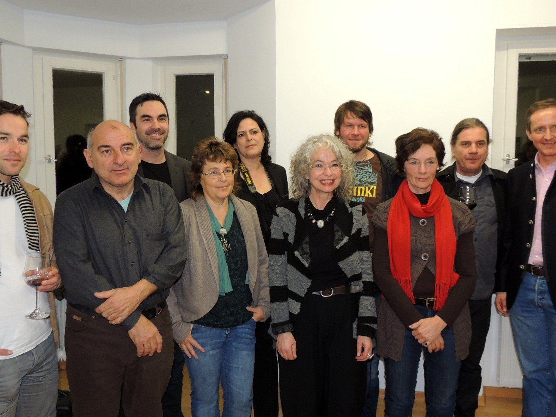 Künstlergruppe mit Galerist Florian Werner (re)