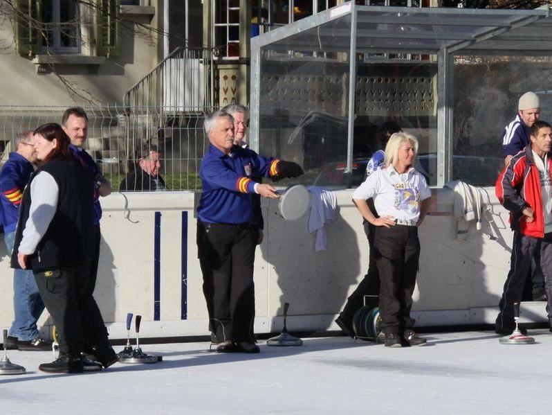 Das Eisstockturnier auf der Gastra musste nach der achten Runde abgebrochen werden.