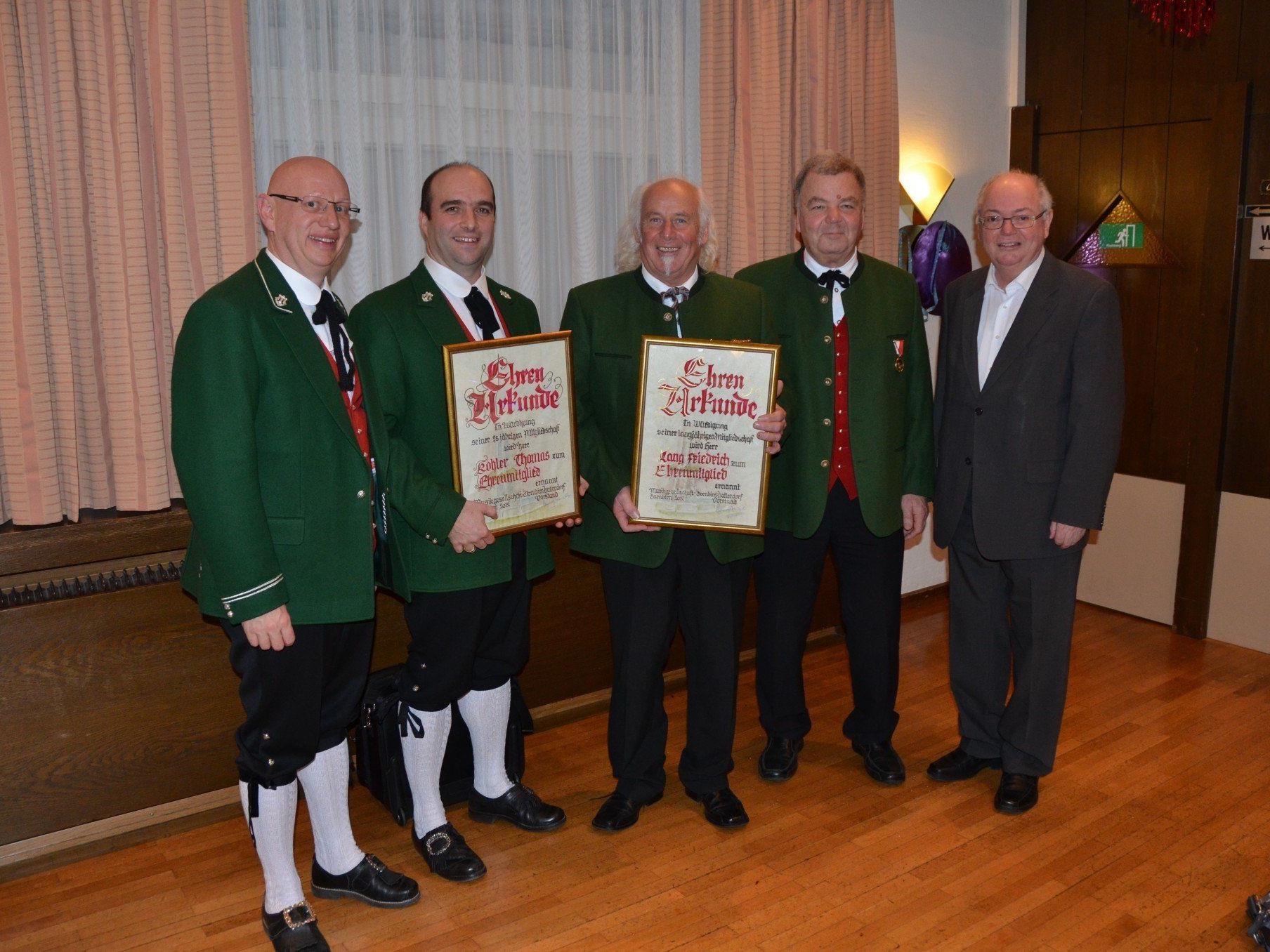 Die Geehrten mit Bgm. Wolfgang Rümmele, OM Hannes Hämmerle und Elmar Matt