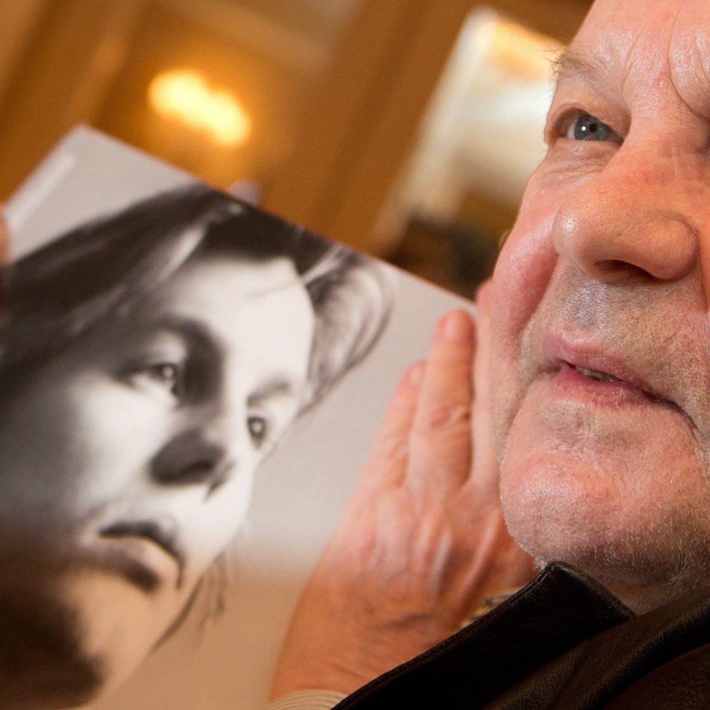 Er galt einst als schönster Mann der Welt, jetzt zieht Helmut Berger ins Dschungelcamp