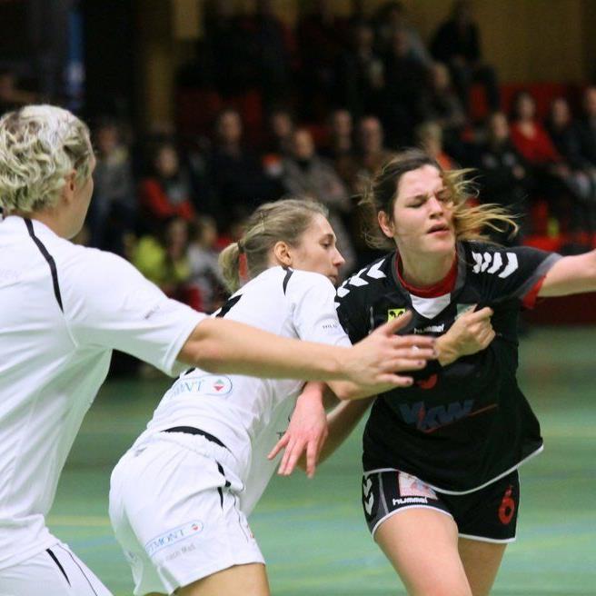 Johanna Rauch warf acht Tore, aber SSV Dornbirn/Schoren unterlag Hypo II mit 17:23.
