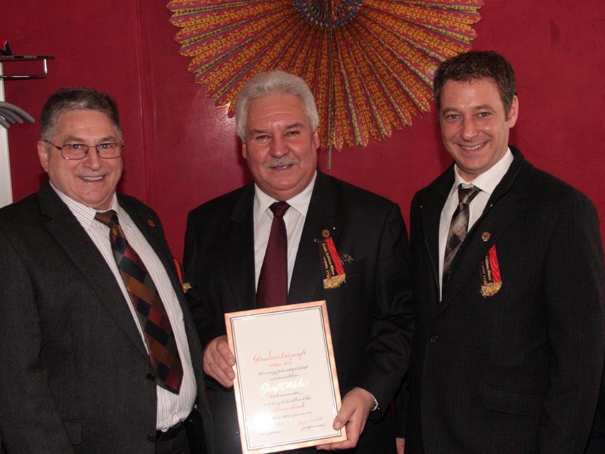 Zunftmeister Josef Mähr wurde für 40-jährige Mitgliedschaft geehrt.