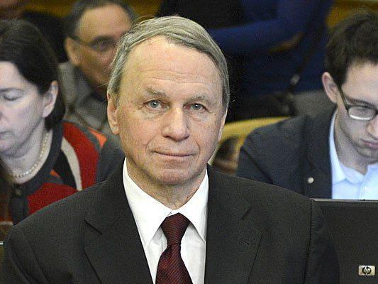 Ex-Vizeaufsichtsratschef der CPB Helmut Schwager beim Immofinanz-Prozess