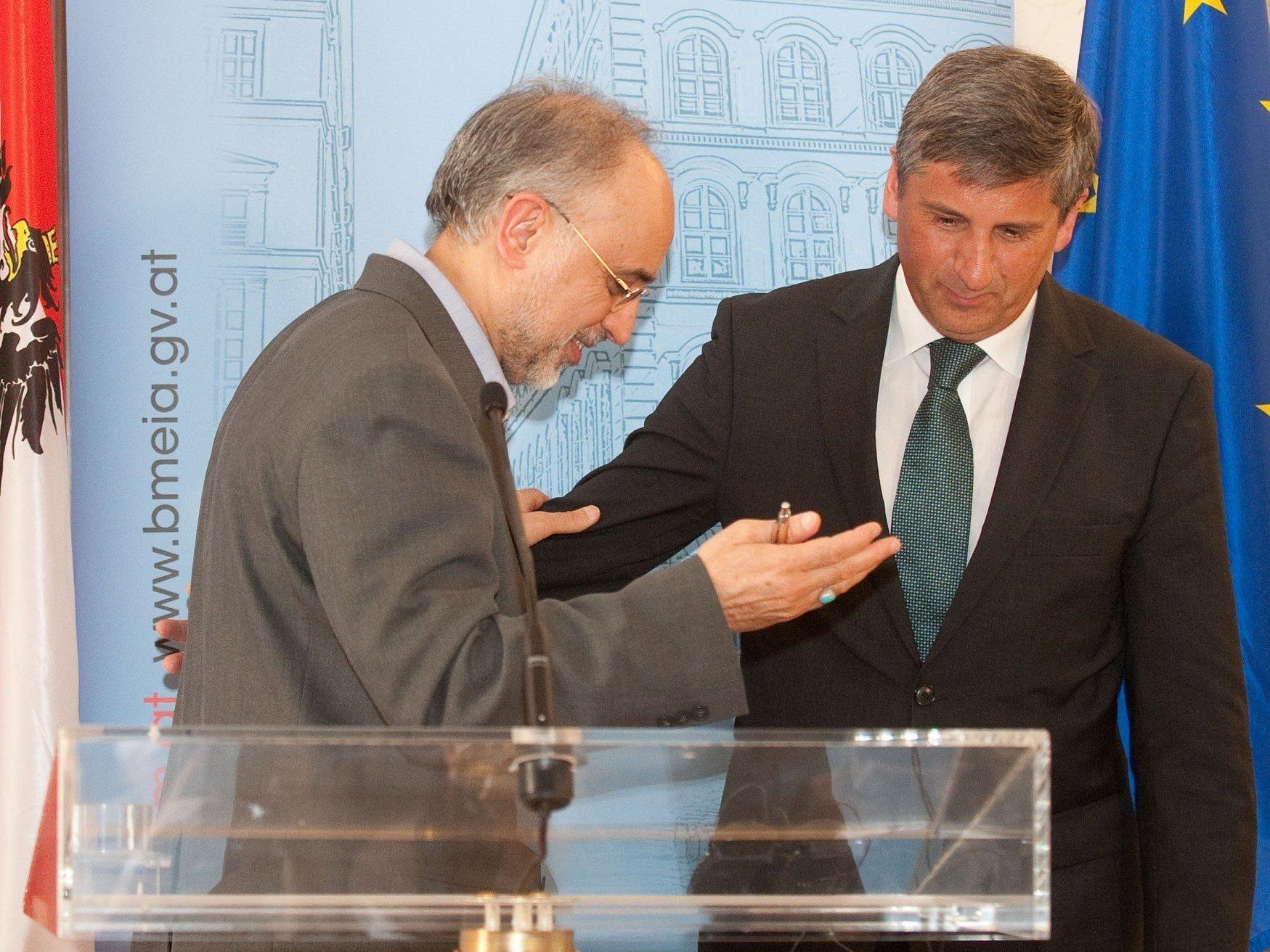 Außenminister Michael Spindelegger (r) und der iranische Außenminister Ali Akbar Salehi.