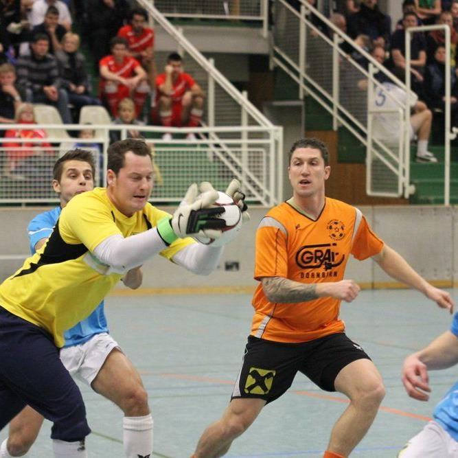 Sulzberg-Goalie Kevin Tschofen träumt vom Finale der 17. Auflage des Wolfurter Hallenmasters.