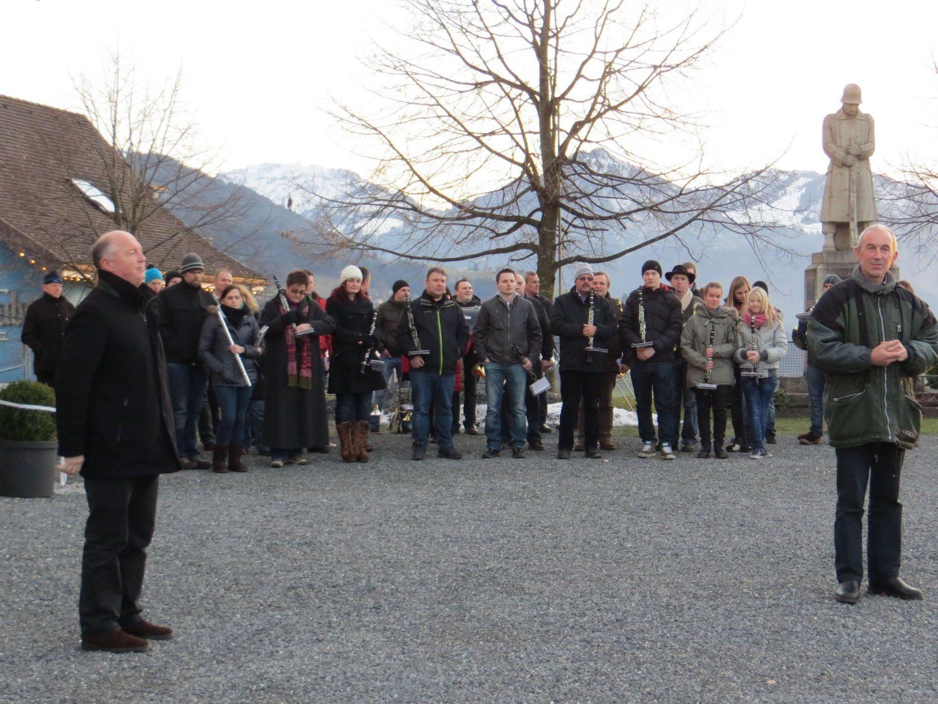 Neujahrsansprache von Bgm. Egon Troy und Pfarrer Paul Burtscher.