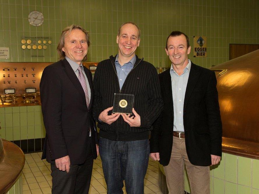 Freuten sich über die hohe Auszeichnung. GF Hubert Berkmann, Braumeister Hinrich Hommel und GF Luis Weidinger