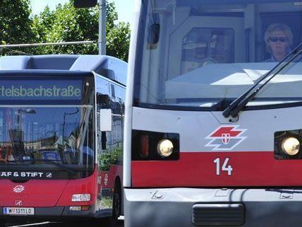 2012 wurden Bus- und Bimlinien in Wien von mehr als 2.700 Falschparkern behindert.