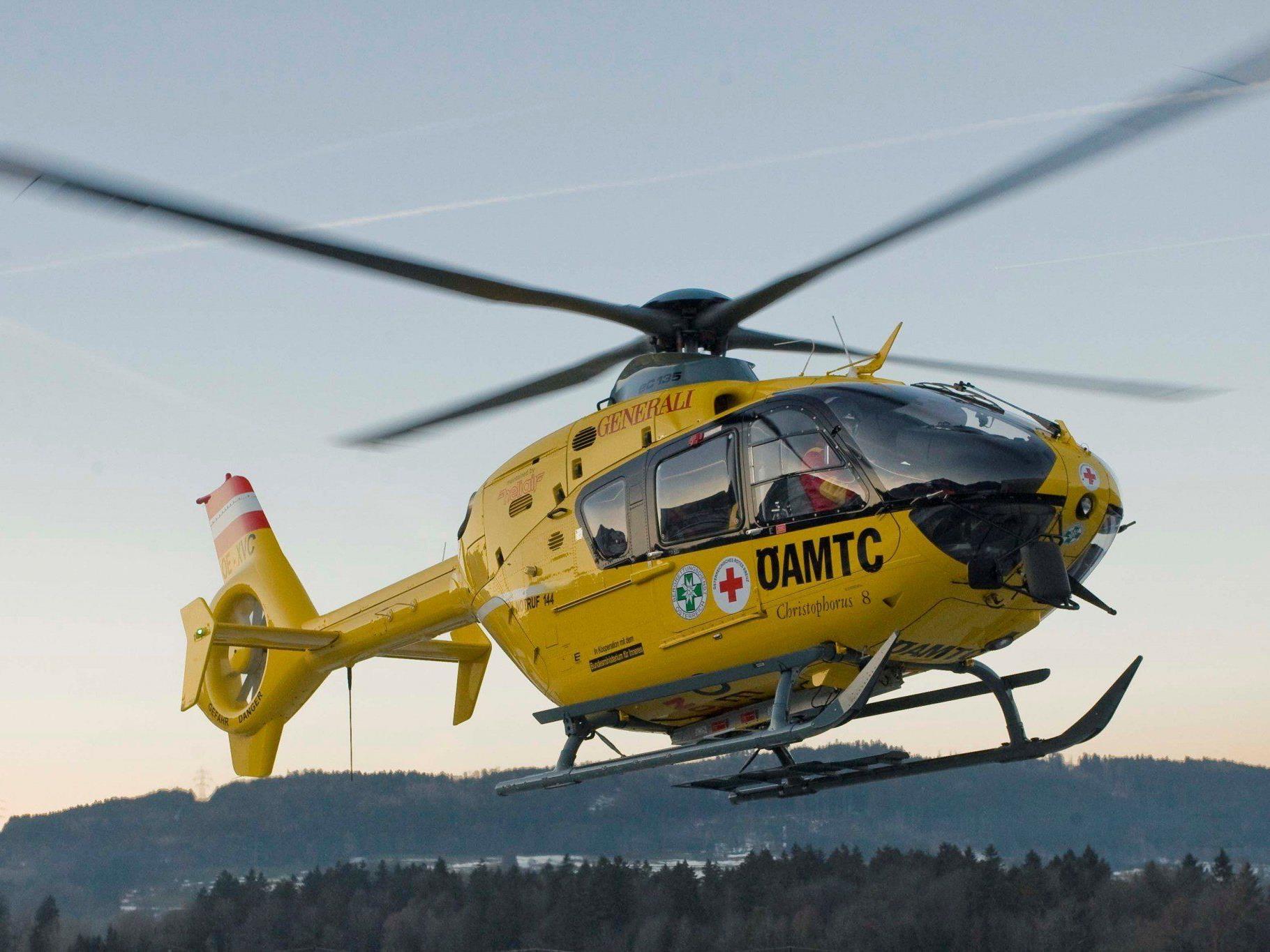Eine deutsche Skifahrerin musste mit dem Rettungshubschrauber ins Spital gebracht werden.