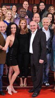 Am 1. März 2013 startet die achte Staffel mit den zwölf neuen Tanzpaaren.