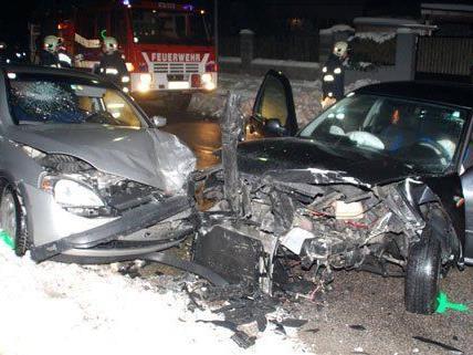 Pkw-Zusammenstoß in NÖ: Beide Lenker wurden dabei verletzt.