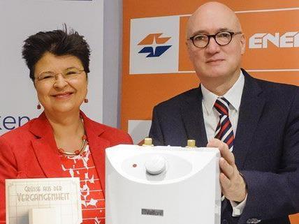 Vbgm. Renate Brauner und Wr. Stadtwerke Vorstand Marc Hall starten die Umtauschaktion.