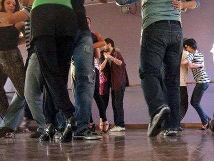 Die Wiener Tanzschulen laden ein zum Tag der offenen Tür.