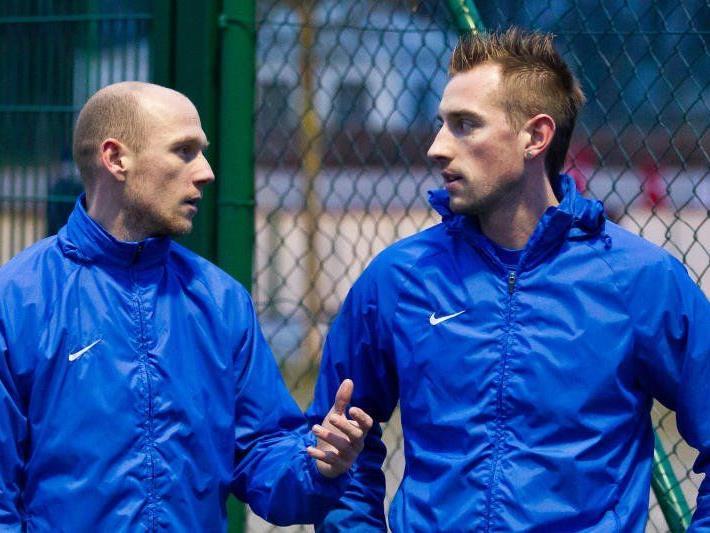 Mario Bolter und Uli Winkler haben derzeit keinen gültigen Vertrag und spielen trotzdem im ersten FCL Test.