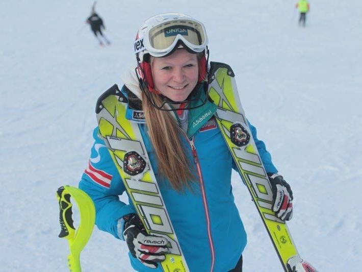 Ariane Rädler aus Möggers holt sich am Hochjoch die Goldmedaille im Super G.