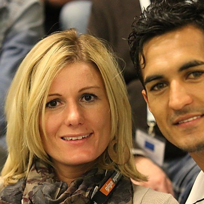 FIFA-Lady Cindy Zeferino de Oliveira war mit seinem Mann Sidinei beim Wolfurter Hallenmasters vor Ort.