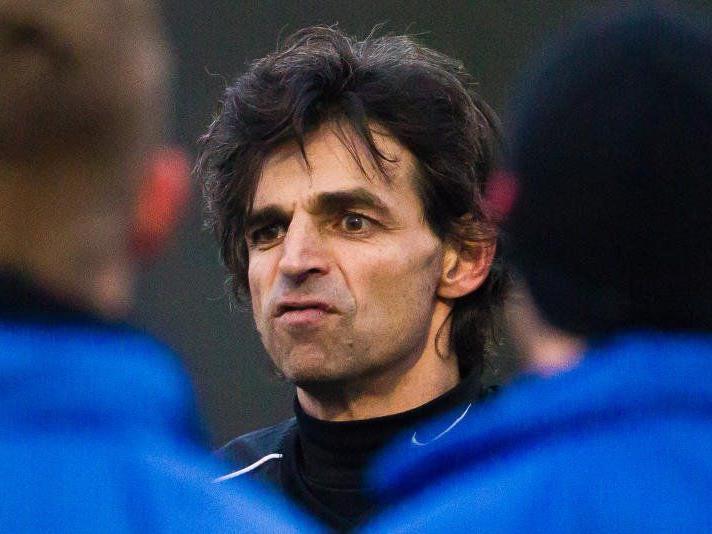 Der neue FCL Coach Daniel Madlener ist im Amt, aber die Kaderzusammensetzung noch offen.