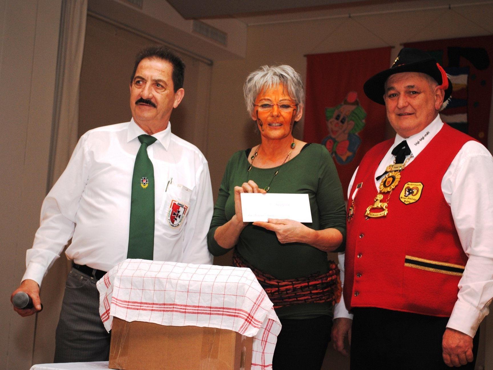Gerlinde Schober war die glückliche Gewinnerin der Tombola