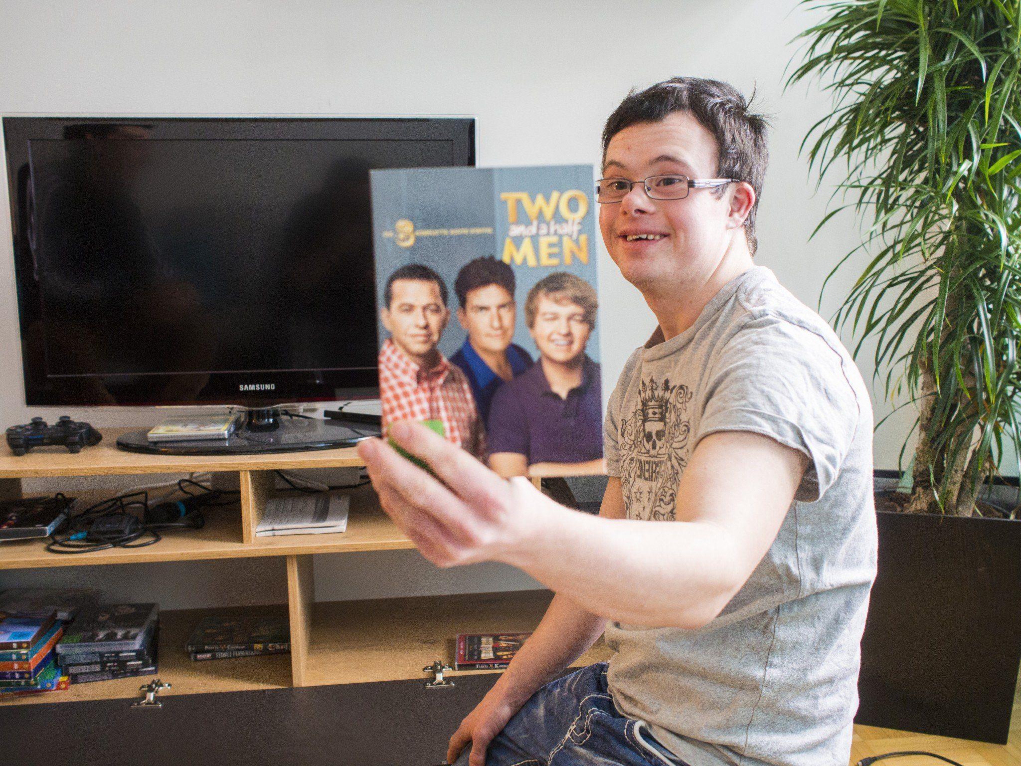 "Philip ist begeisterter Fan der Serie ""Two and a half Men""."