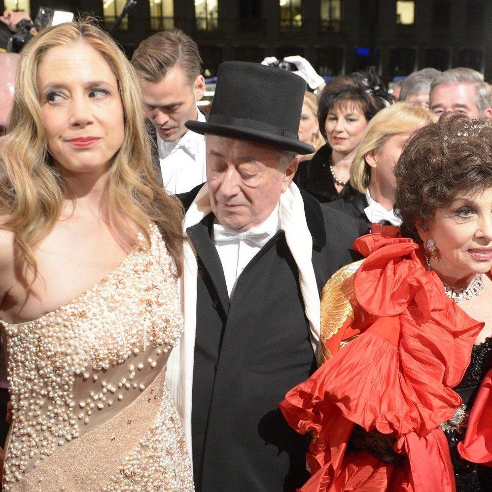 Richard Lugner mit Mira Sorvino und Gina Lollobrigida am Wiener opernball 2013.