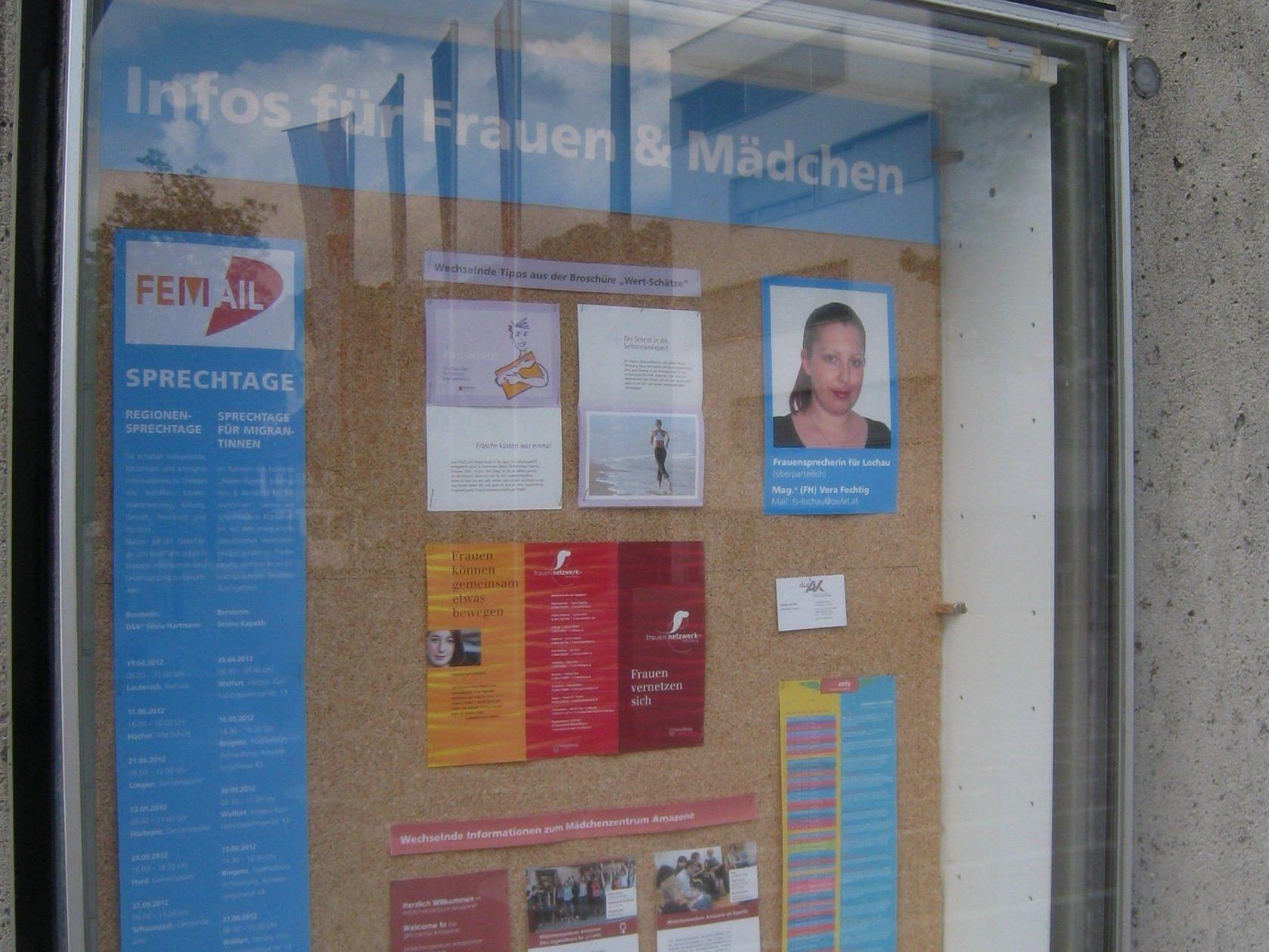Aktuelle Informationen für Frauen und Mädchen beim Info-Eck im Lochauer Dorfzentrum.