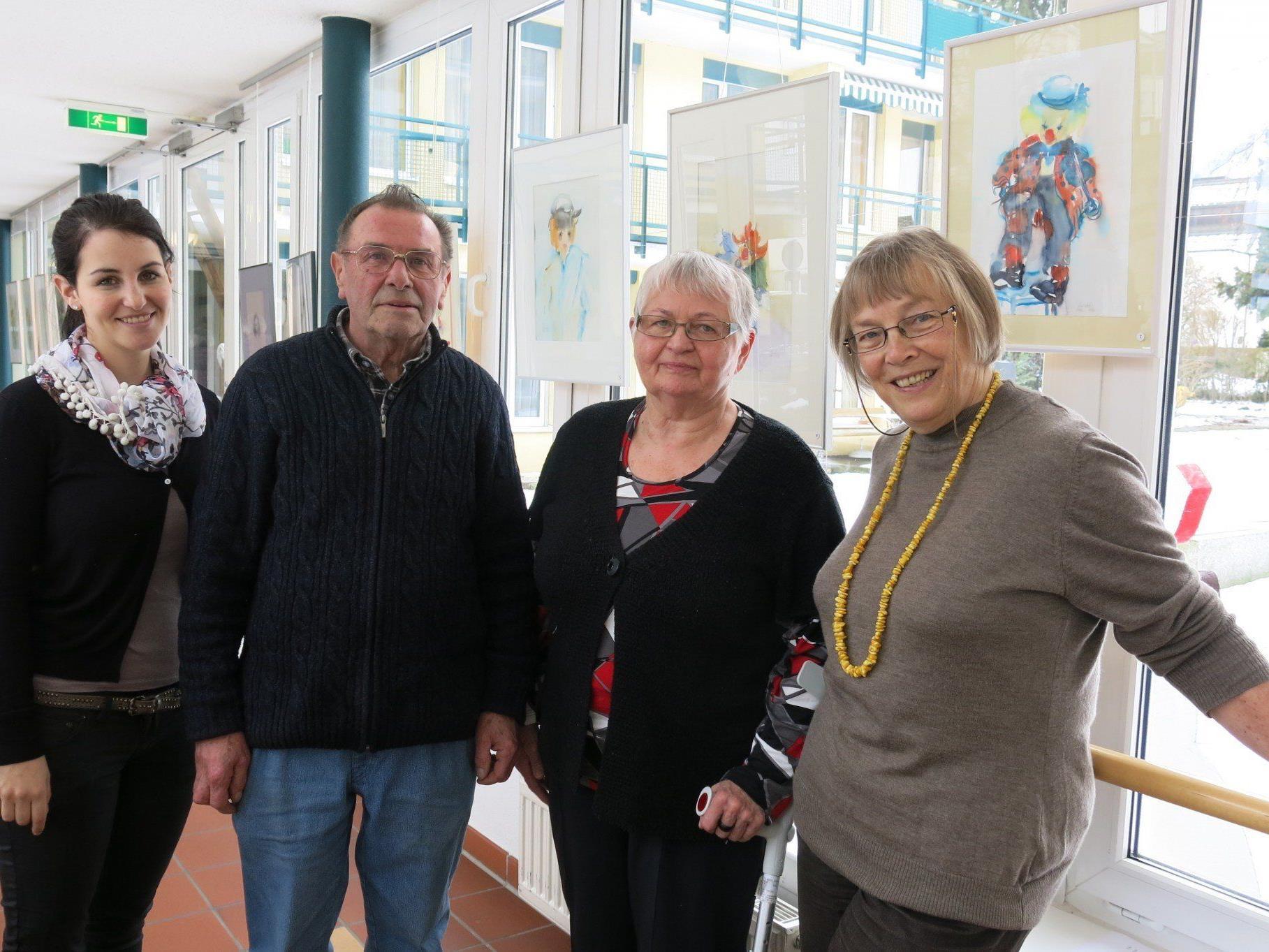 Daniela, Lothar und Charlotte Burtscher sowie Doris Rinke in der Seniorenresidenz Martinsbrunnen