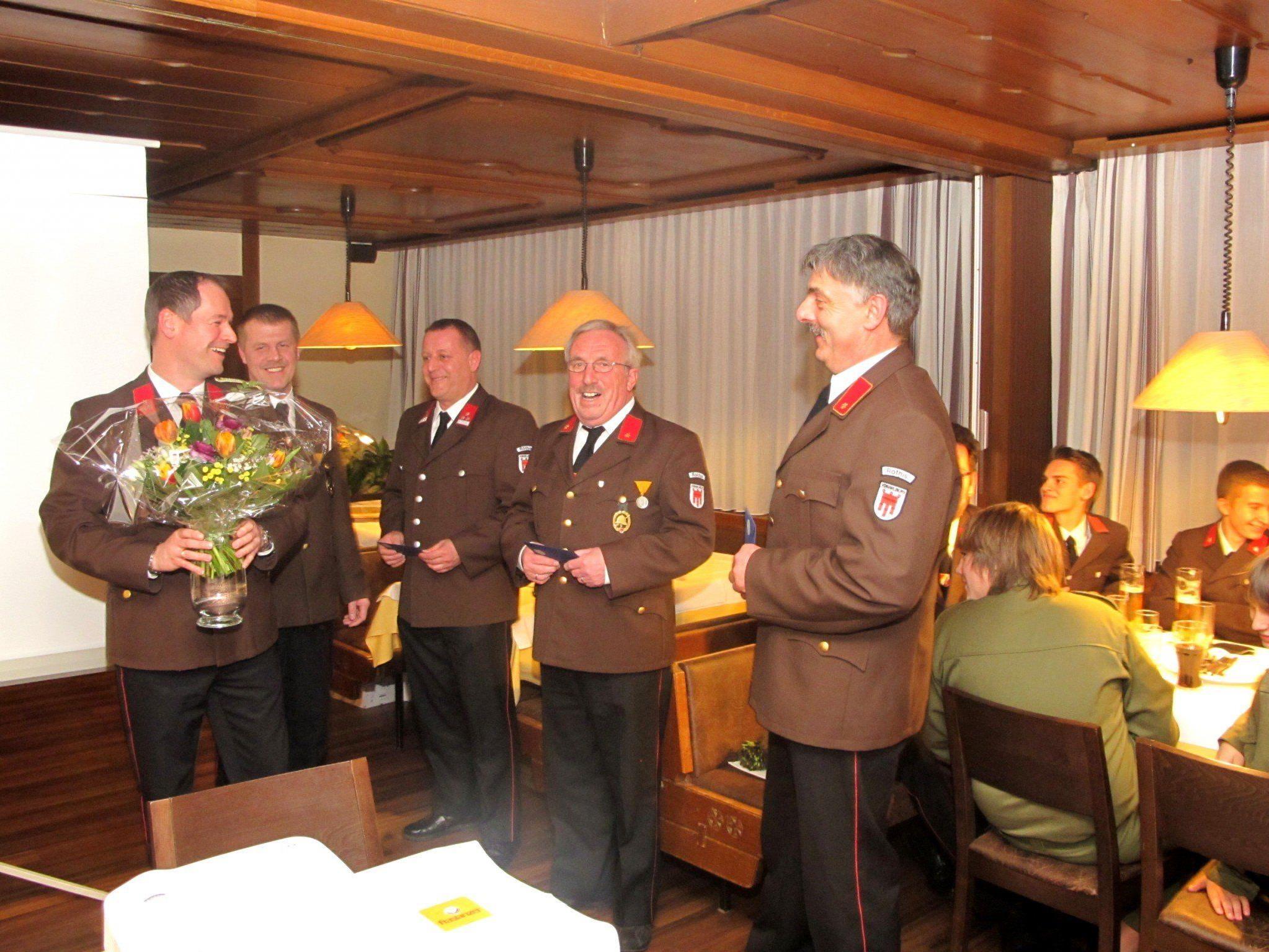 Drei langjährige Funktionäre wurden von Kommandant Joachim Ellensohn verabschiedet.