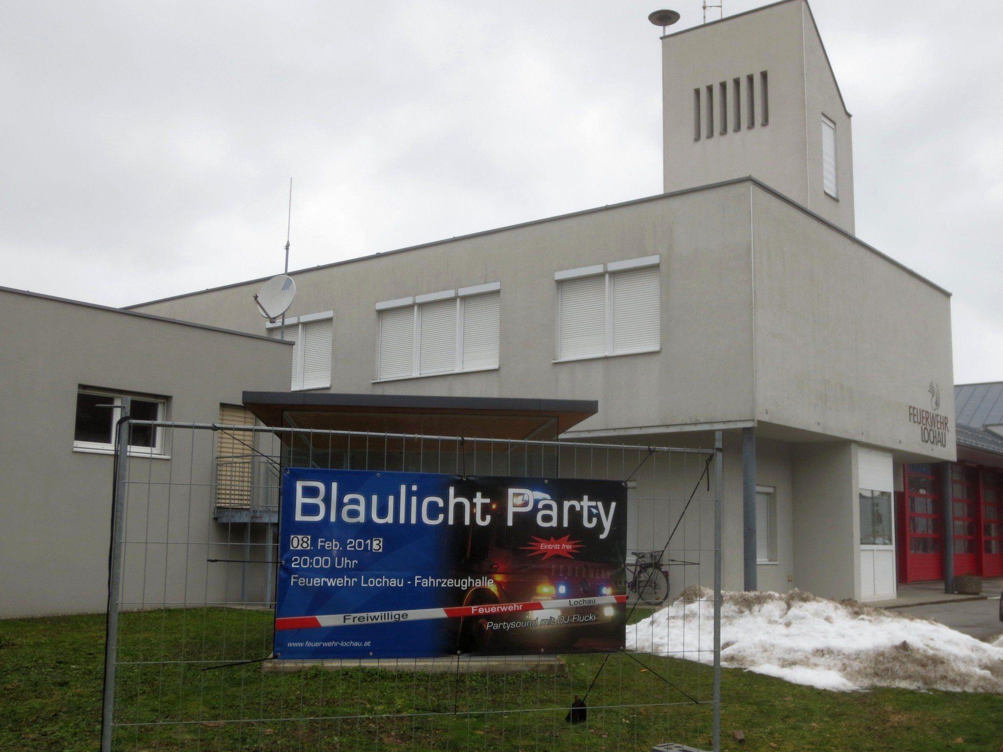 """""""Blaulicht Party – die Fünfte"""" im Feuerwehrhaus an der Hofriedenstraße in Lochau."""