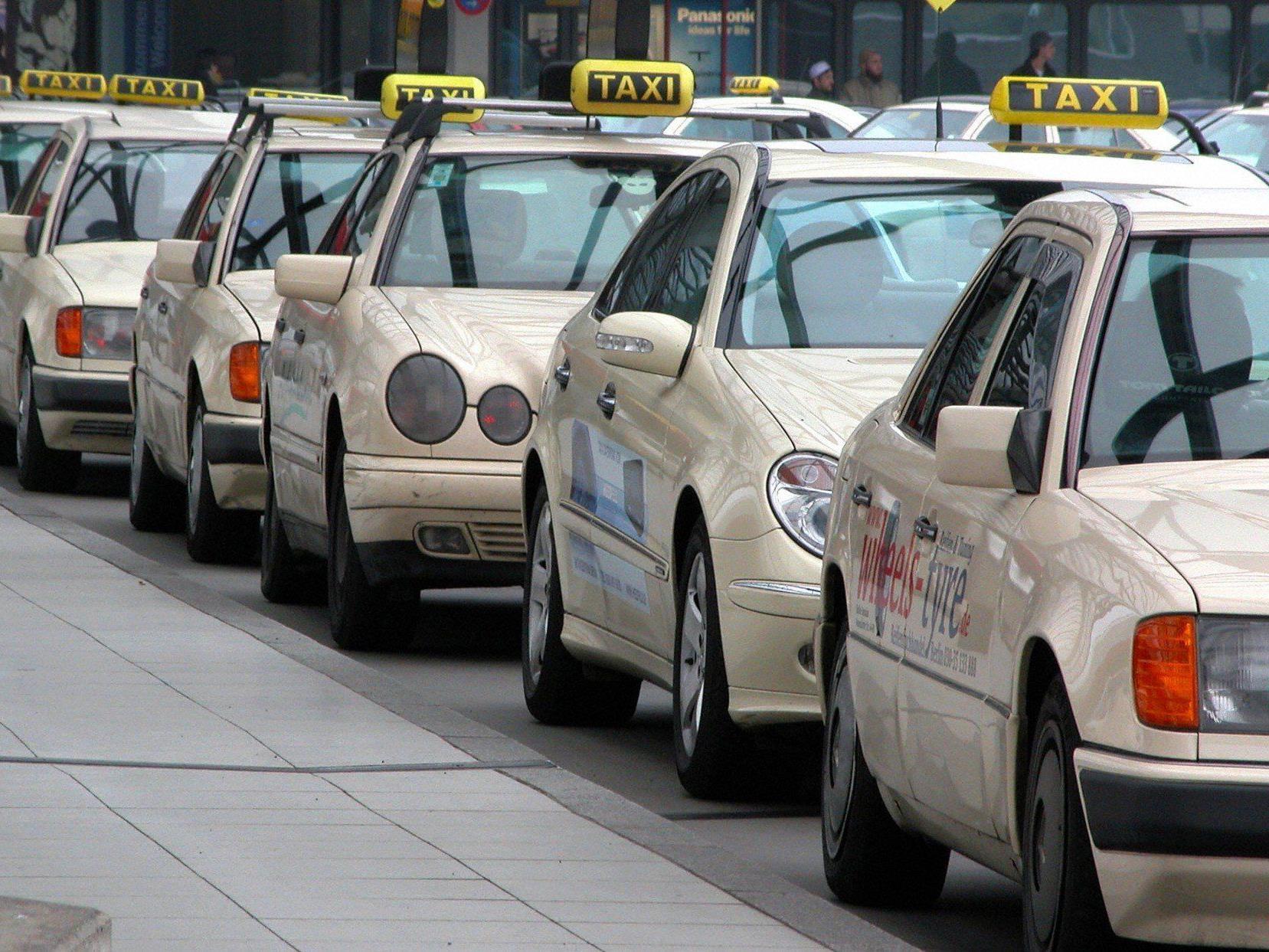 Schon lange gibt es ein ständiges Hin und her bei dem Taxistreit.