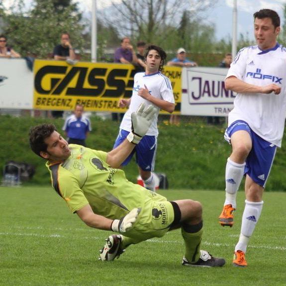 Patrick Egle (l.) spielt wieder für seinen Stammklub FC Sulz und will dort Tore schießen.