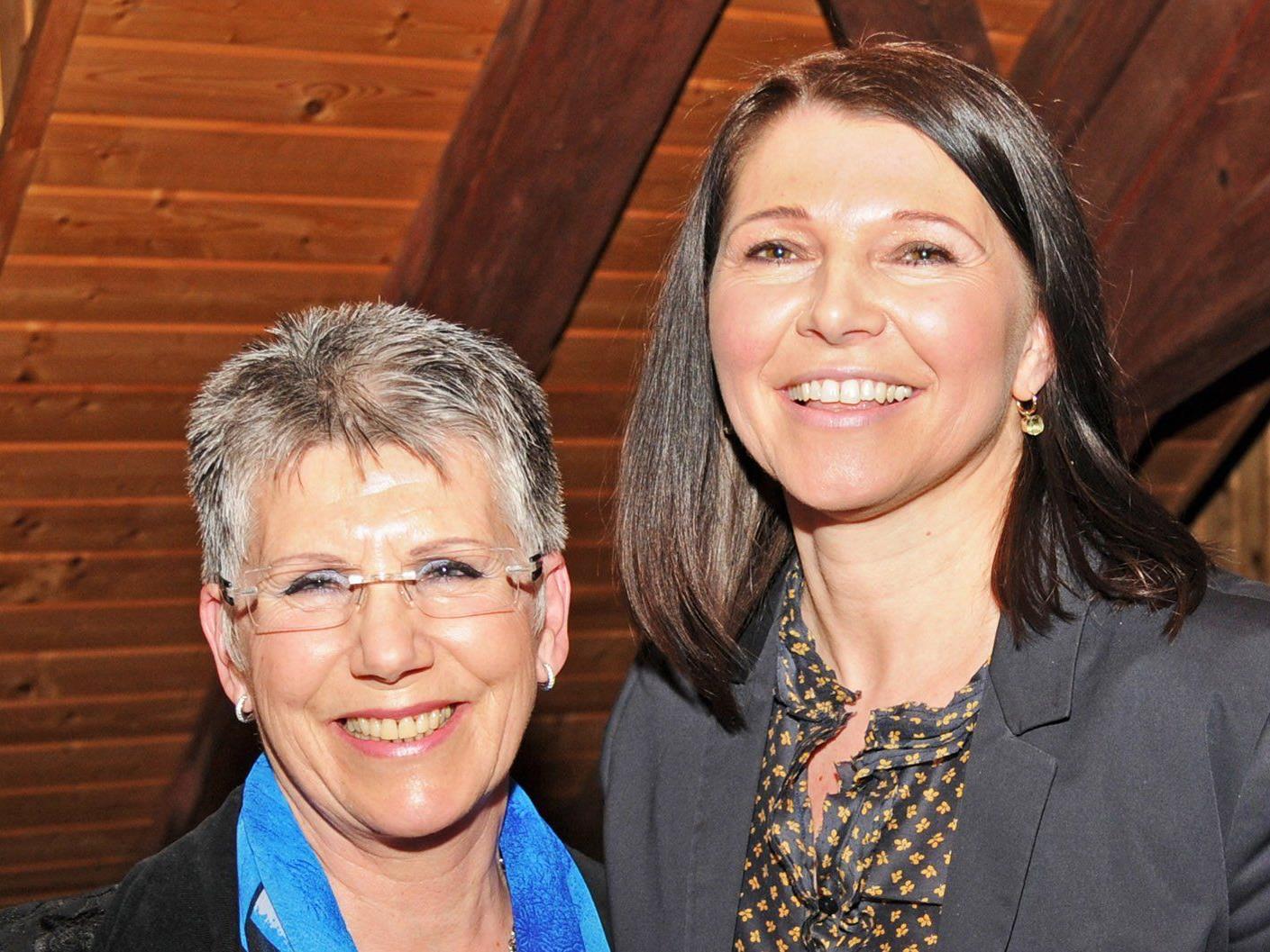 Herlinde Moosmann und ihre Nachfolgerin Heidi Schuster-Burda