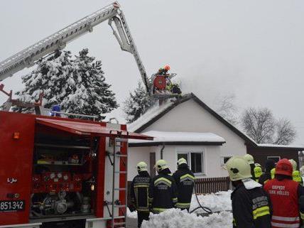 Eine vergessene Pfanne löste einen schweren Küchenbrand in NÖ aus.