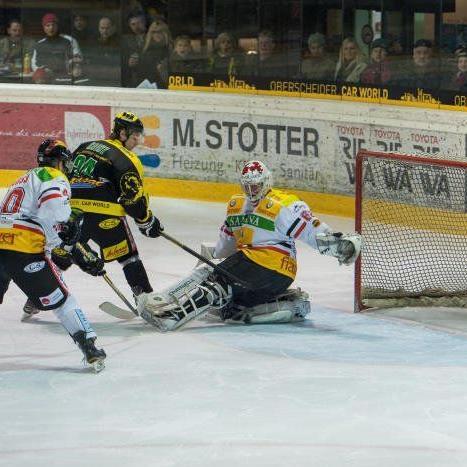 EHC Palaoro Lustenau verlor das Derby gegen VEU Feldkirch trotz Führung mit 1:4.