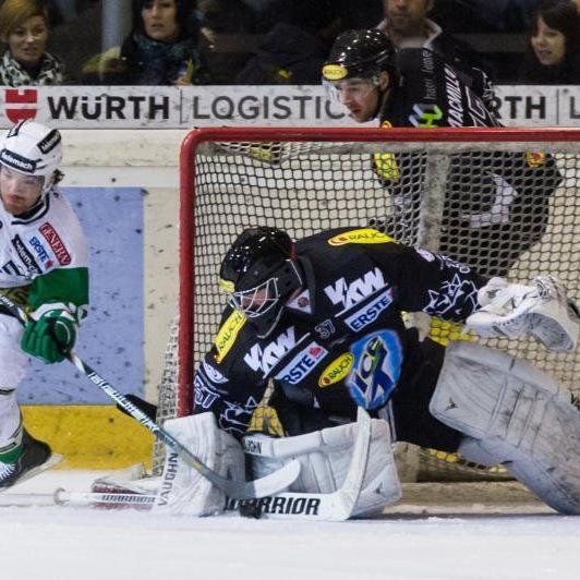 DEC Goalie Patrick des Rochers musste sechs Gegentreffer einstecken, der Play-off-Traum ist geplatzt.