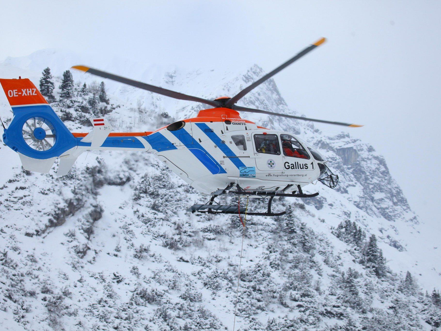 Mit schweren Kopfverletzungen wurde der Skifahrer ins Spital eingeliefert.