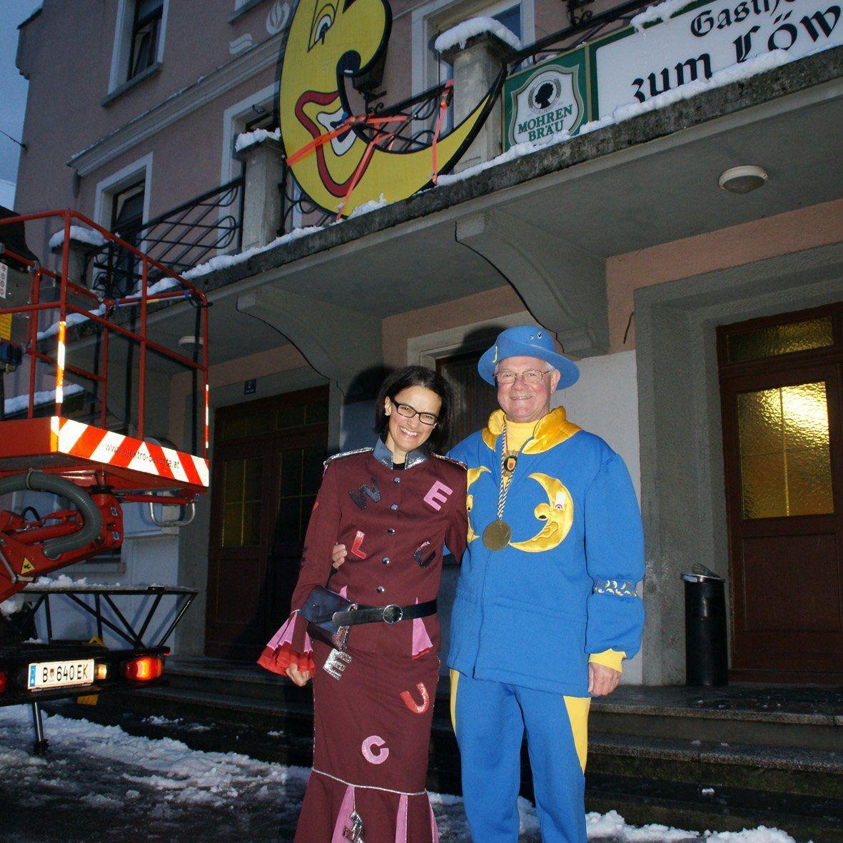 Petra Gebhard und Kurt Hecht verhandelten über den gekidnappten Mond.