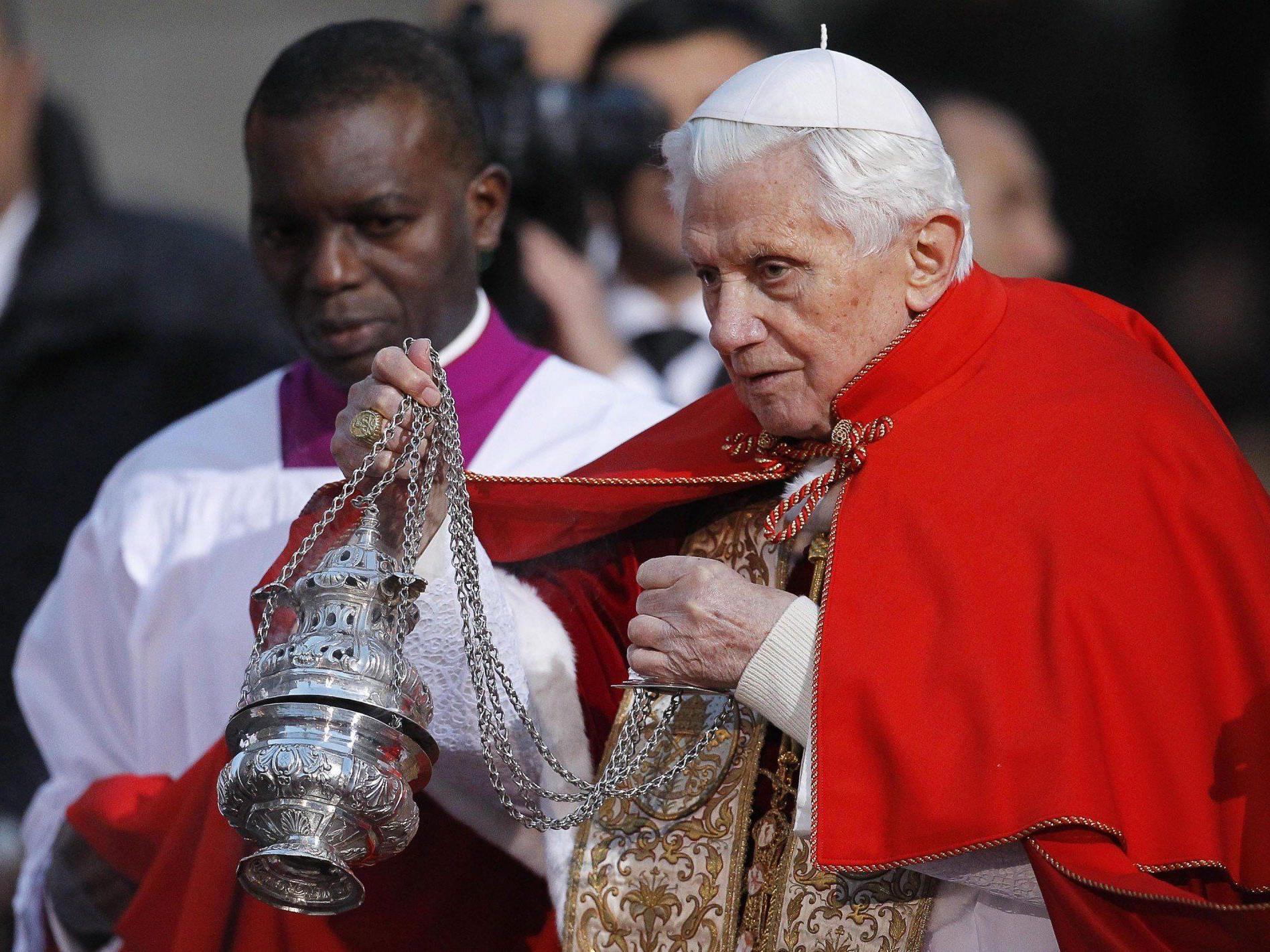 Auch wenn es bislang selten vorkam, kirchenrechtlich ist der Rücktritt eines Papstes geregelt.