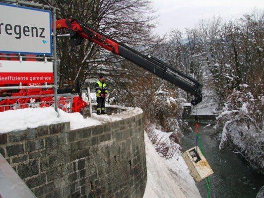 Bregenz: Tresor aus Vkw-Kanal geborgen - © VOL.AT/ Pascal Pletsch